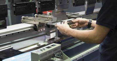 板金加工の部品設計に役立つ材料選び