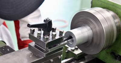 除去加工の種類や工作機械についてわかりやすく解説!加工事例もご紹介。